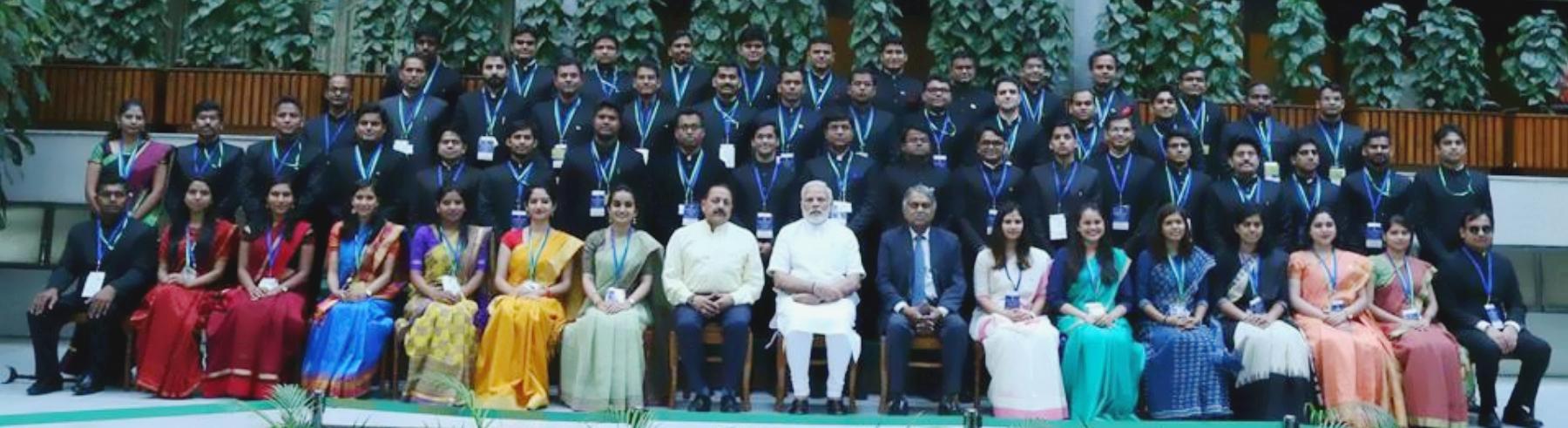 माननीय प्रधानमंत्री की अध्यक्षता में दिनांक 04.07.2018 को सहायक सचिवों (वर्ष 2016 बैच के आईएएस अधिकारियों) के शुभारम्भ सत्र का आयोजन |