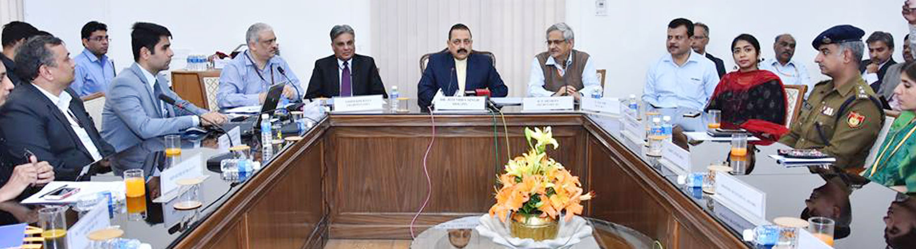 Dr Jitendra Singh, Honorable MoS (PP) conferred awards to Ministries/ Departments for their best work on Online RTI Portal